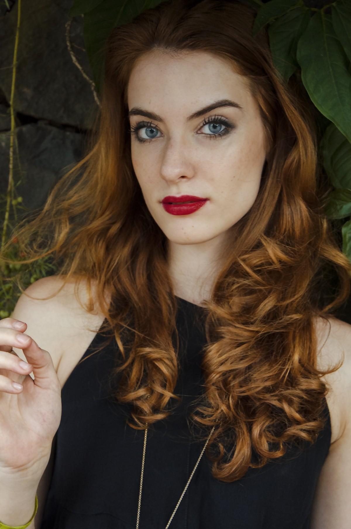 Kostenlose Foto Person Madchen Fotografie Portrat Modell Rot