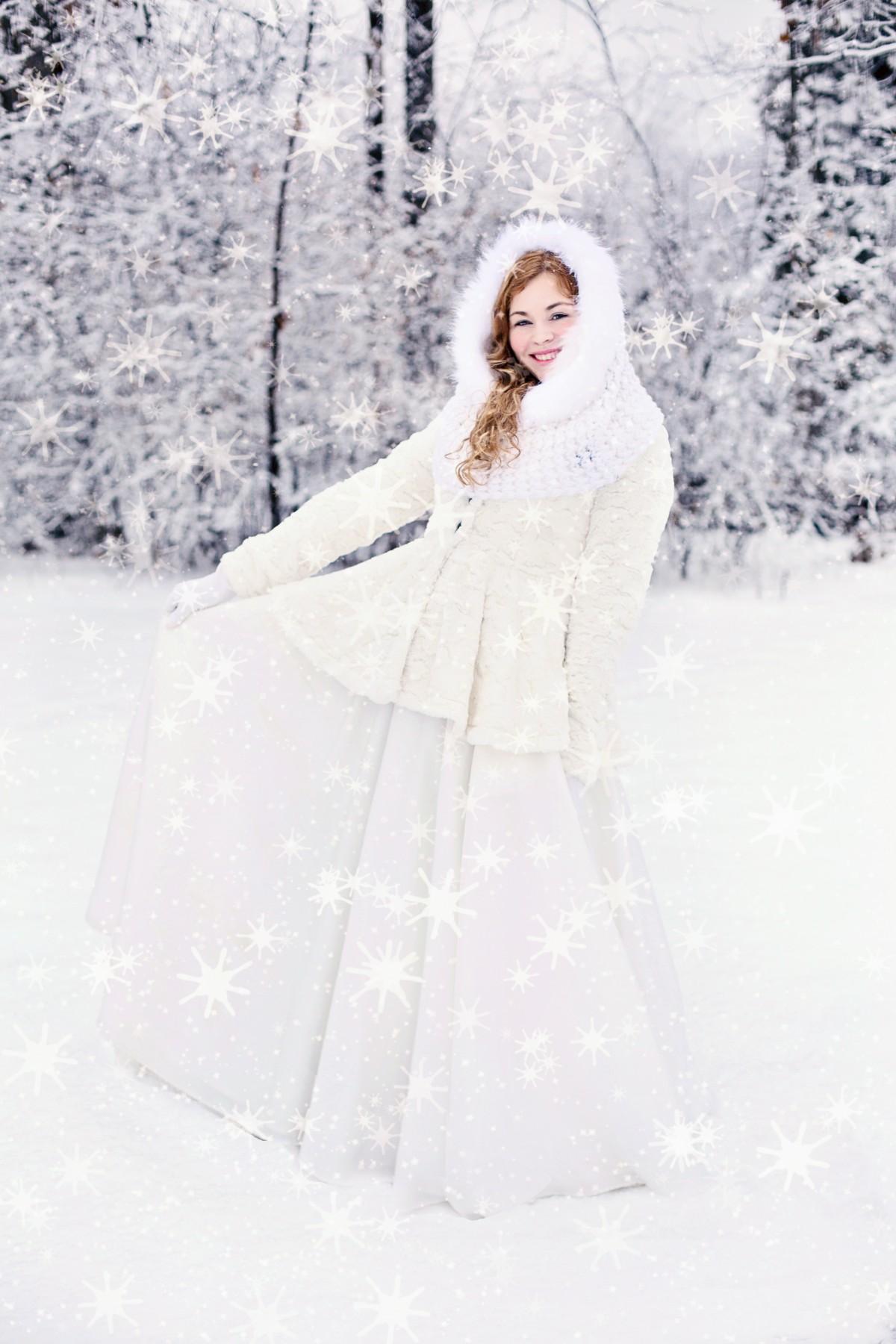 Images gratuites neige du froid hiver fille blanc - Photos de neige gratuites ...