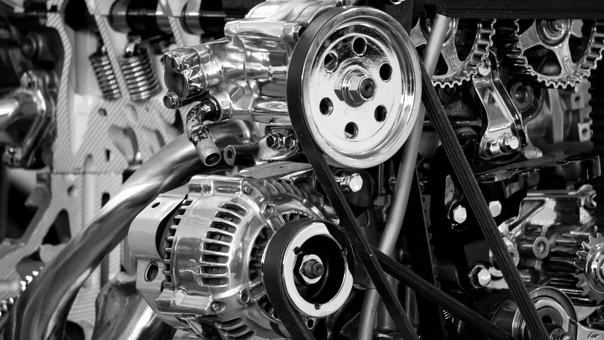 svart og hvit teknologi bil hjul bil transport transportere kjøretøy utstyr motorsykkel metall auto maskin garasje svart monokrom hastighet automotive makt krom prosjektering mekanisk motor motor skinnende brensel metallic polert bilmotoren monokrom fotografering flymotor bilmotor del