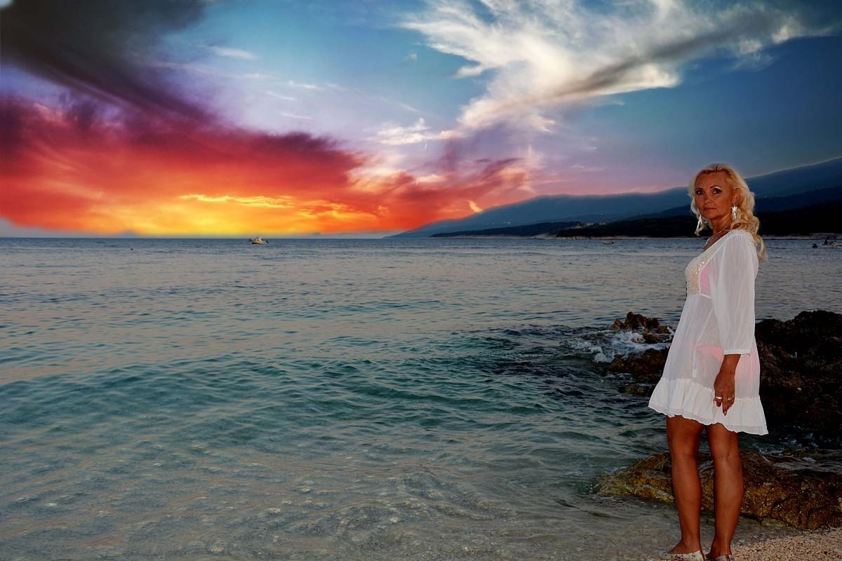 Фото девушек на фоне океана, Фото: Девушка на фоне океана 6 фотография