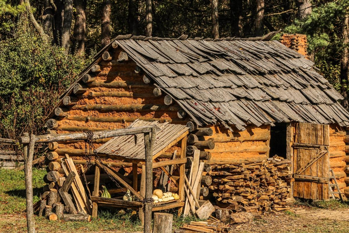 Images gratuites arbre bois campagne maison toit for Agrandissement maison zone rurale