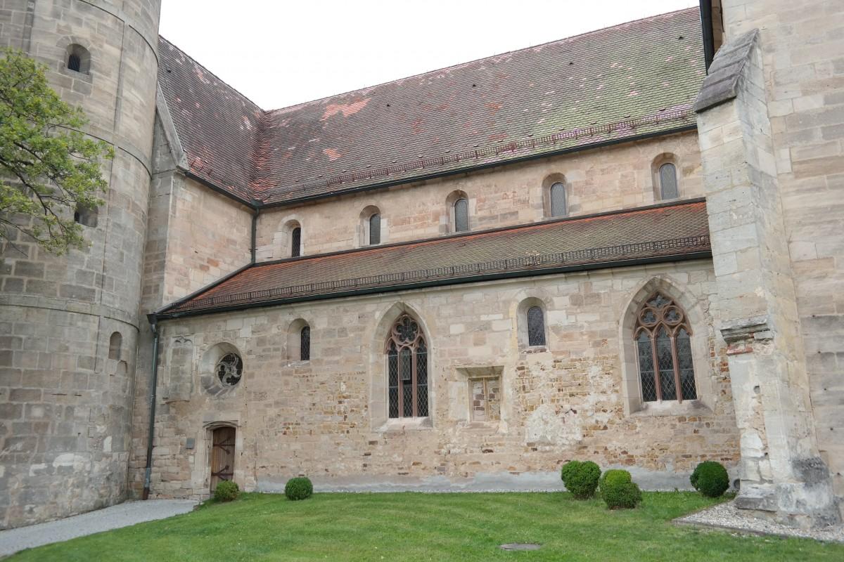 Immagini belle albero cielo costruzione chateau for Piani di casa castello medievale