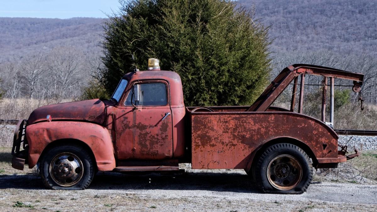 free images old motor vehicle vintage car wreck towing wrecker emergency assistance. Black Bedroom Furniture Sets. Home Design Ideas