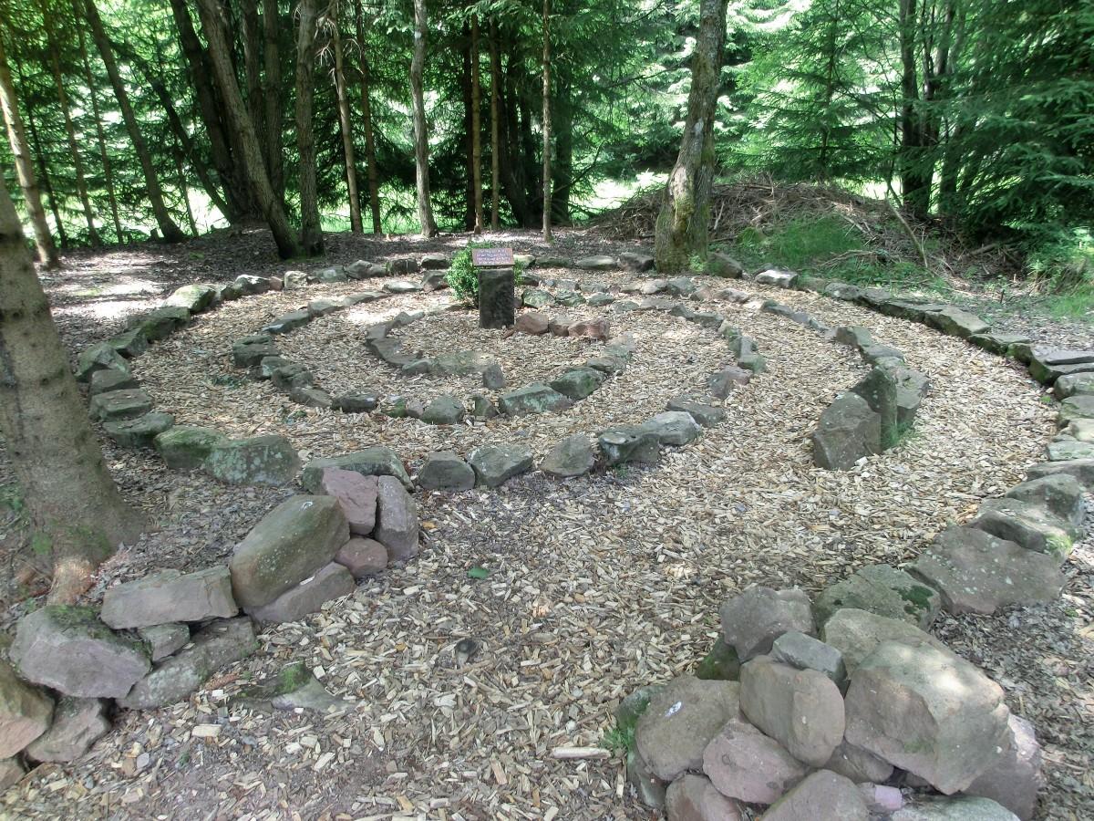 Stenen Muur Tuin : Gratis afbeeldingen bos spoor vijver achtererf stenen muur