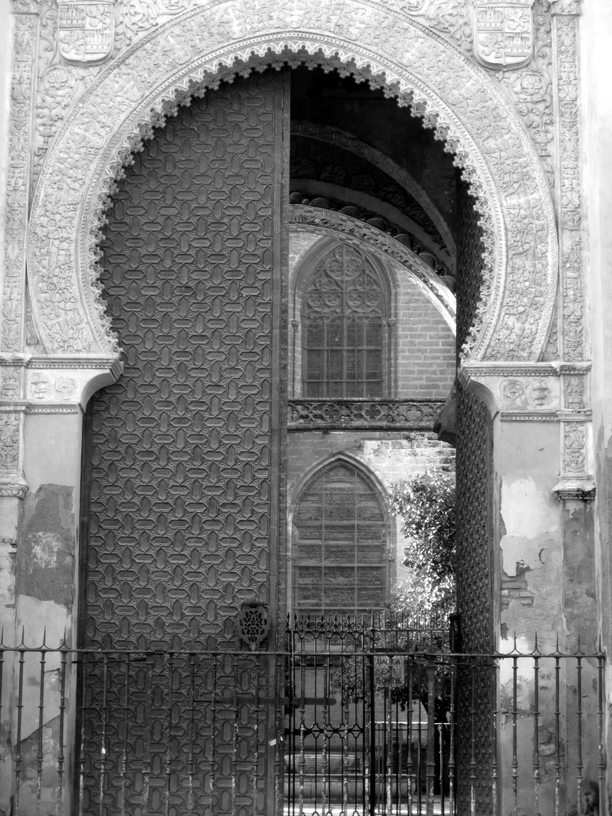 Images gratuites noir et blanc architecture bois for Fenetre noir et blanc