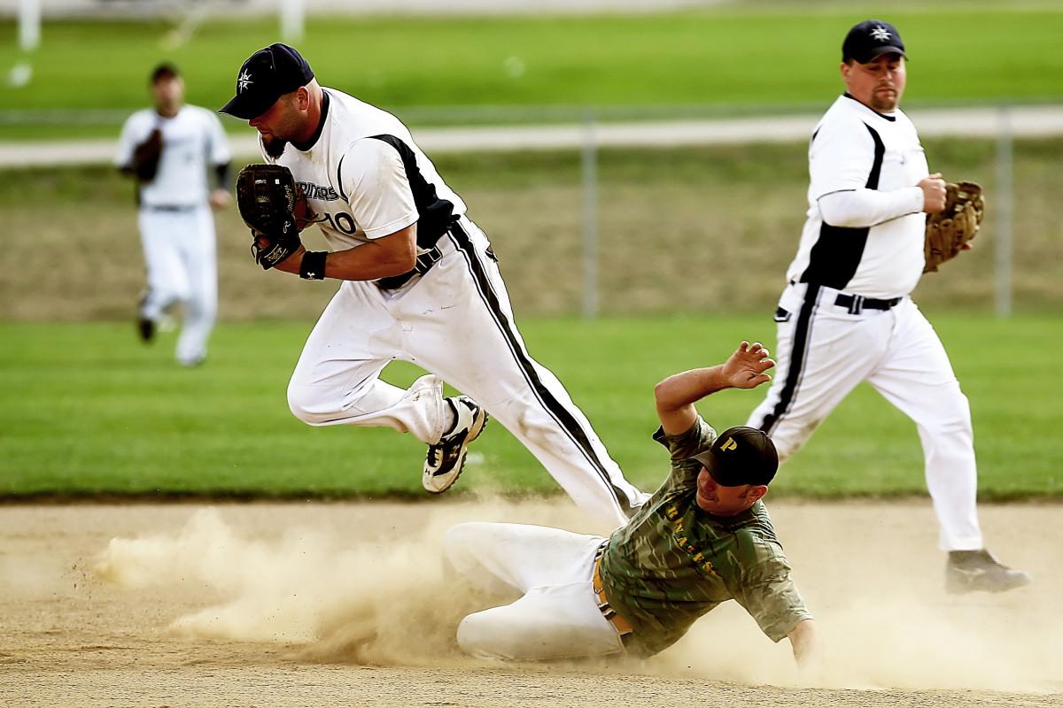 Картинки : игрок, виды спорта, бейсболист, футбольный игрок, софтбол, игра в мяч, командный вид спорта