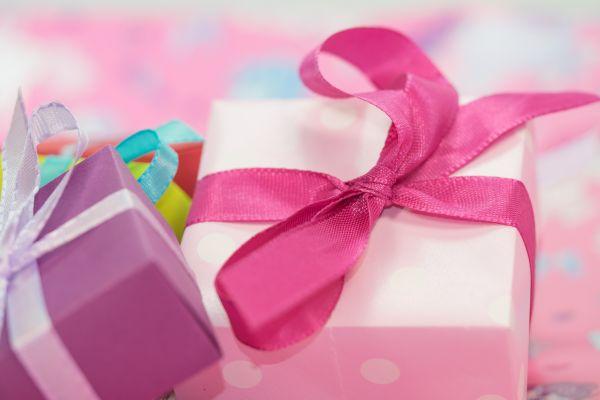 gift,decoration,flower,petal,heart,food