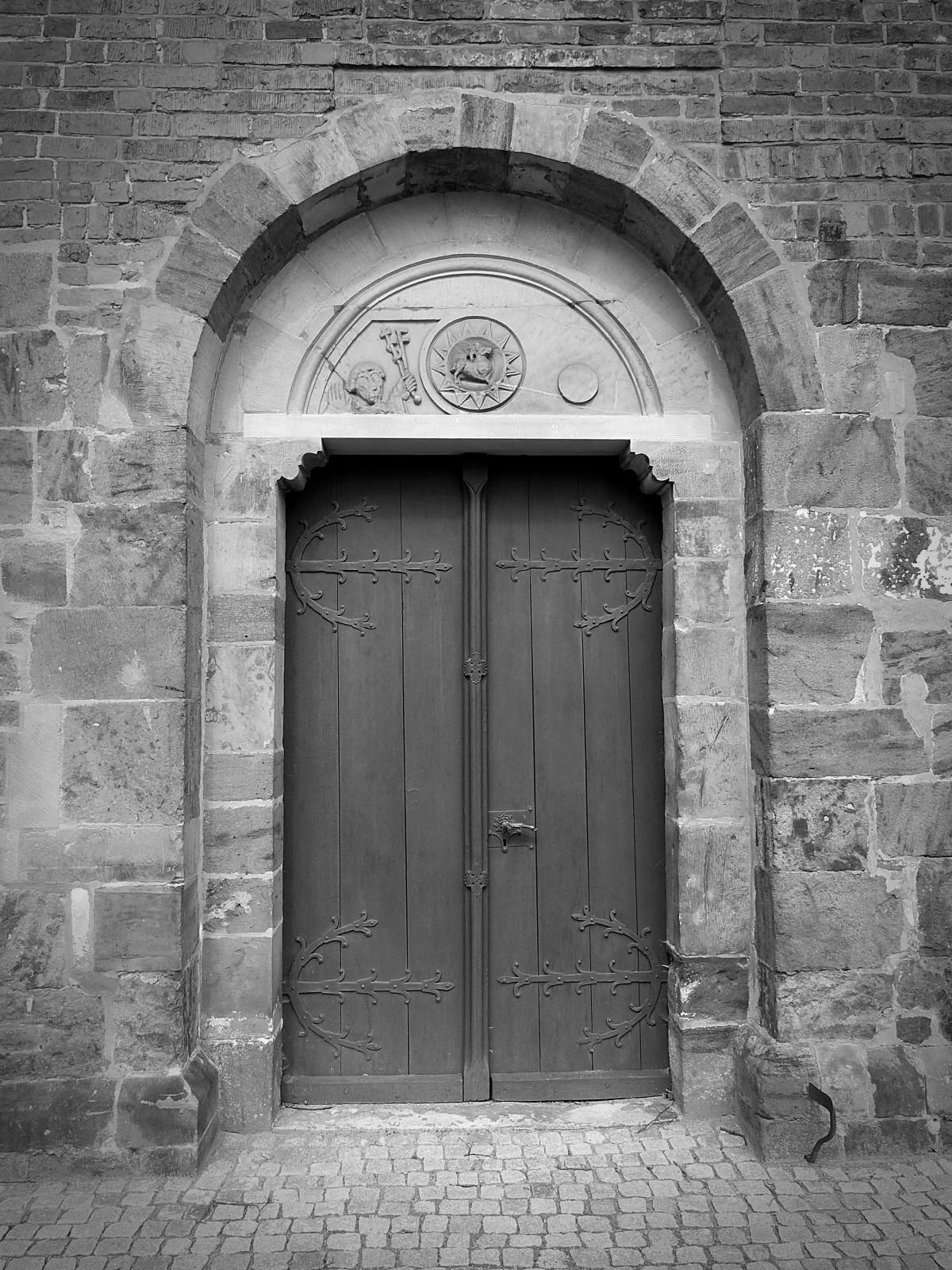 Images gratuites noir et blanc architecture bois for Puerta blindada antigua casa gutierrez