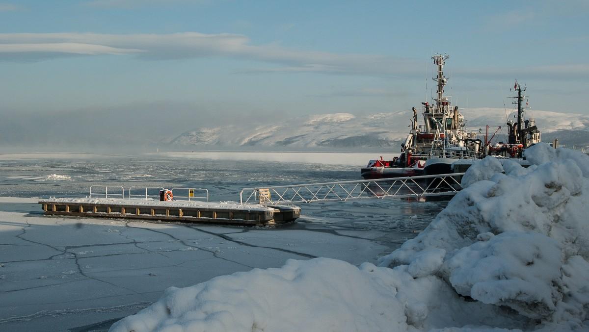 Free images sea boat ship vehicle mast port for Circle fishing boat