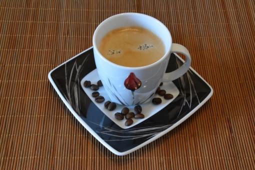 Pikakahvi Kofeiini