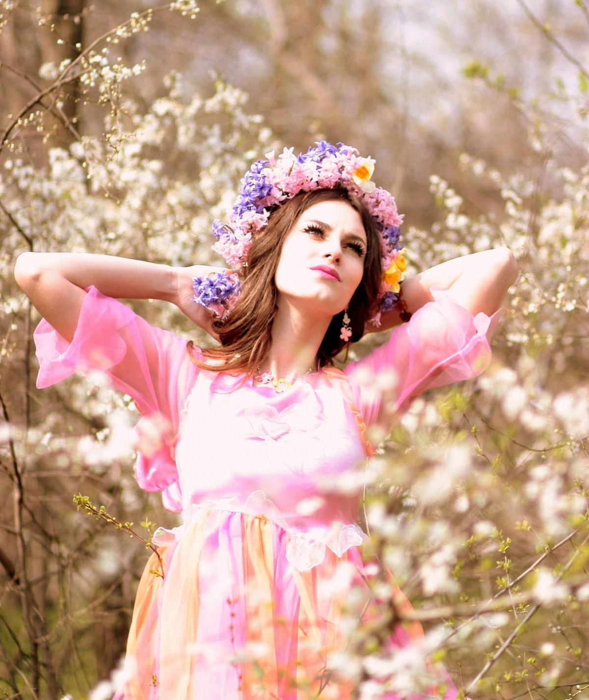 Фото девушка весна