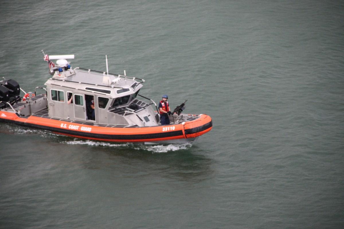Images gratuites mer eau oc an v hicule flotte jaune bateau moteur - Bateau gonflable mer ...