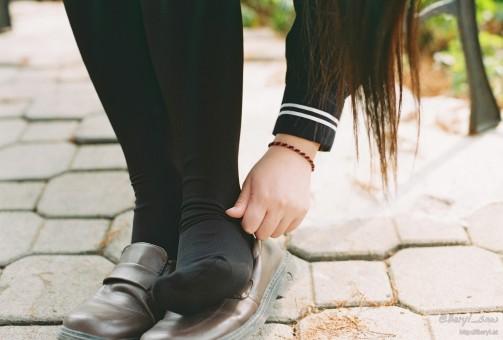 Free Images  Hand, Winter, Girl, Warm, Feet, Cute -6373