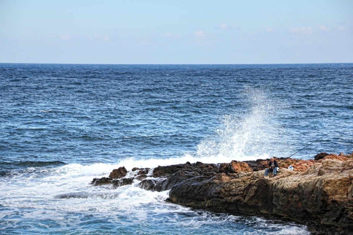Free images beach sea coast rock ocean horizon for Blue fish cove