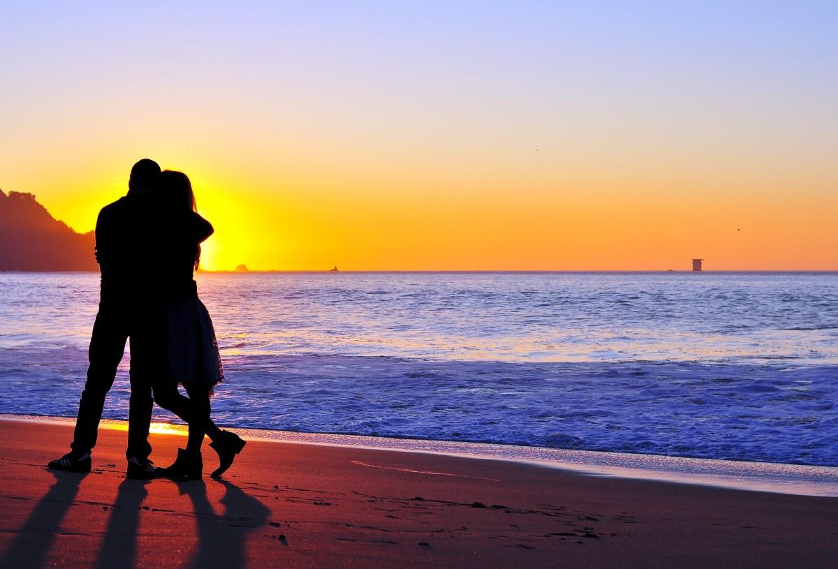 Картинки красивые влюбленных пар на море