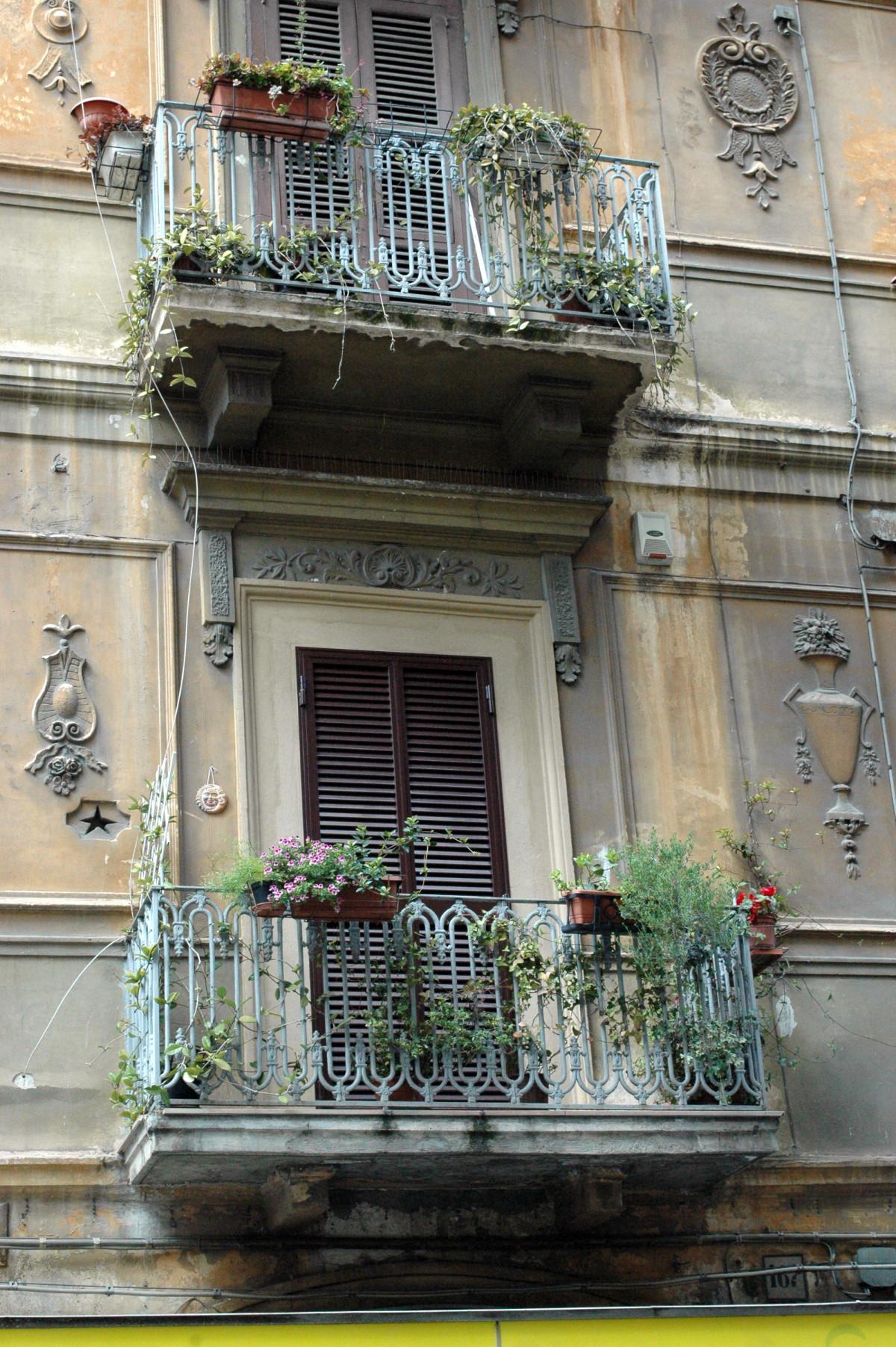 Картинки : архитектура, дорога, улица, окно, балкон, италия,.