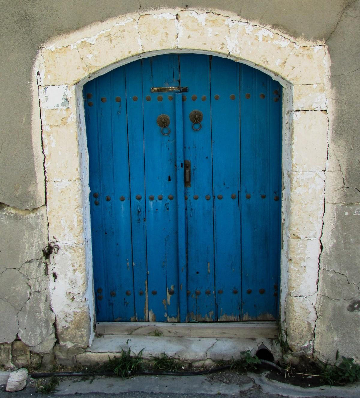 Fotos gratis arquitectura ventana pared arco fachada for Fotos de puertas de madera antiguas