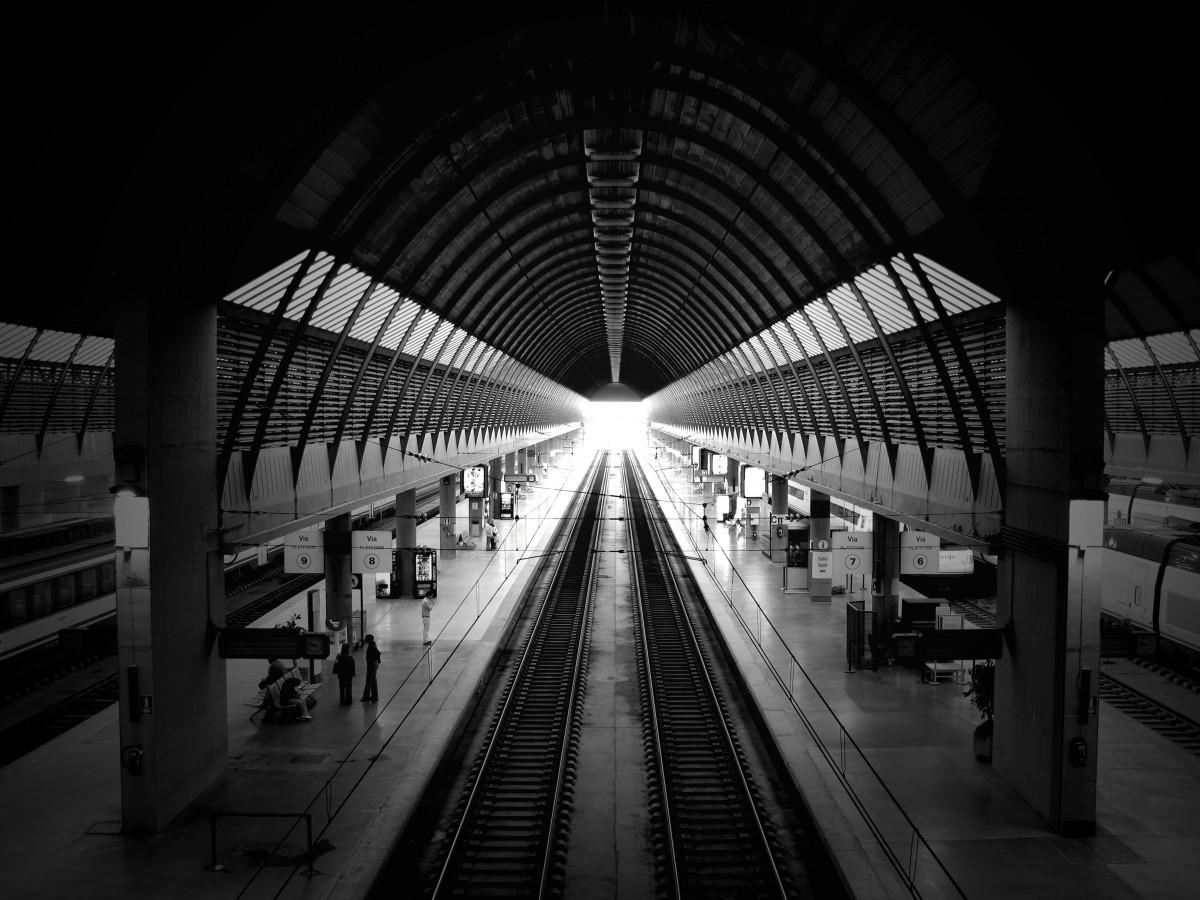 Gambar Cahaya Hitam Dan Putih Arsitektur Kereta Api