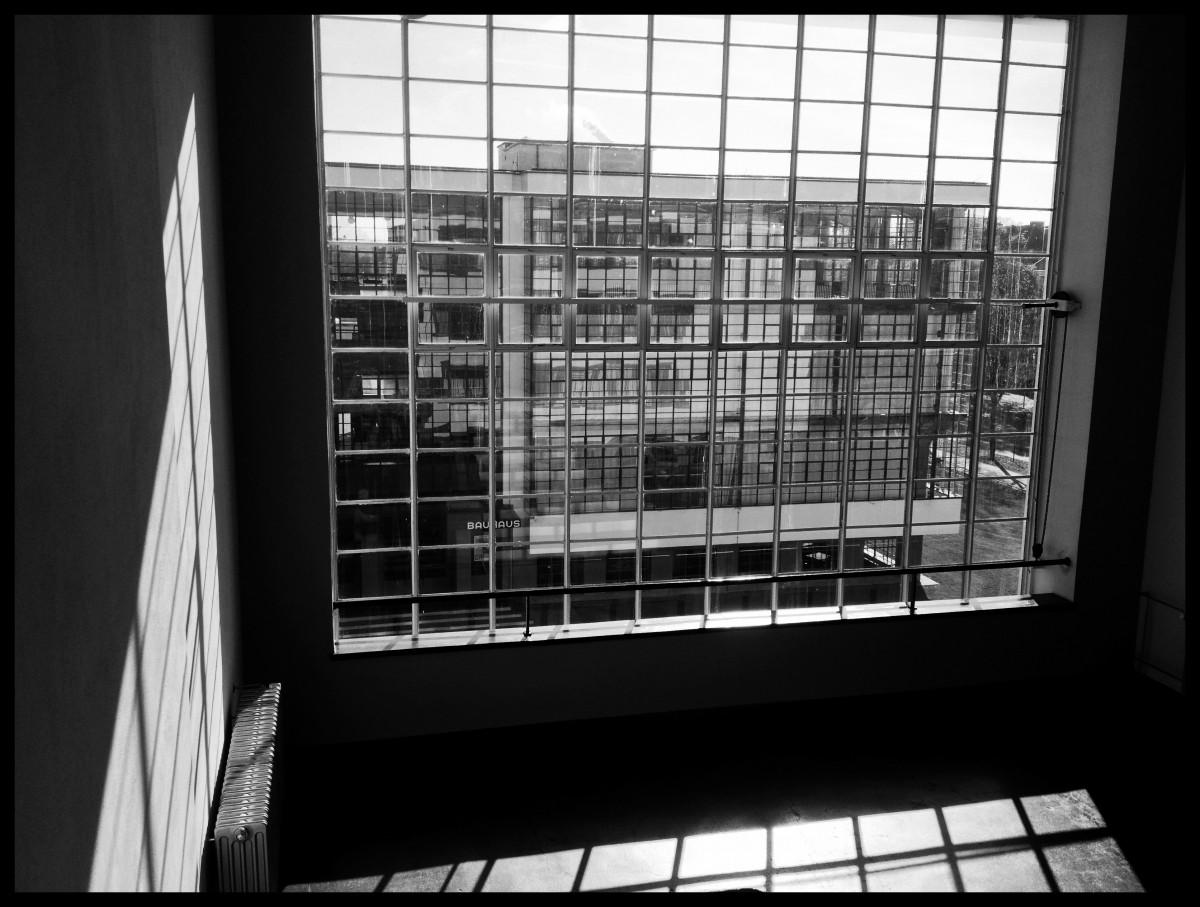 Fotos gratis en blanco y negro fotograf a restaurante - Bauhaus iluminacion interior ...