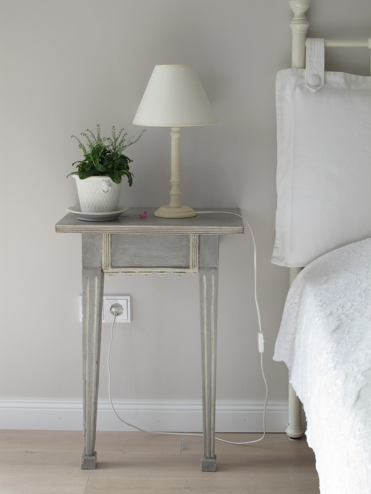 Fotos gratis : blanco, pared, techo, piano, niño, lámpara, mueble ...
