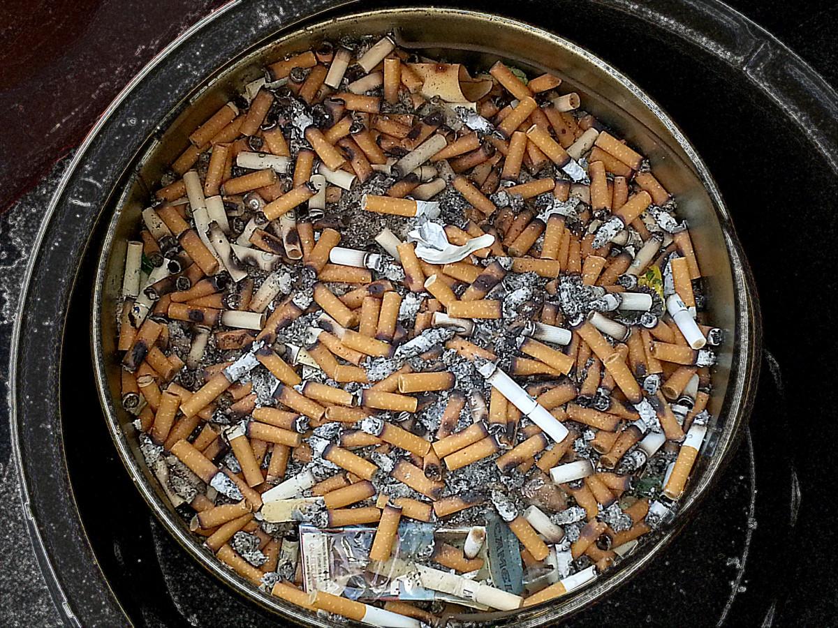 Kouření jazykem prsten