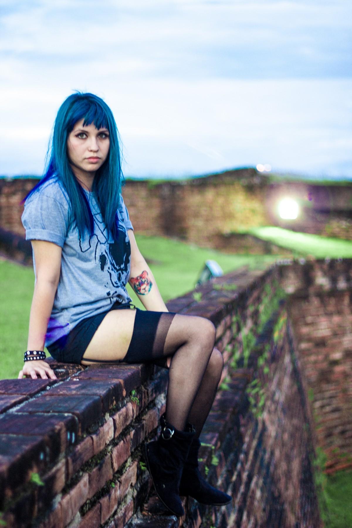 Fotos gratis : niña, mujer, fotografía, pierna, modelo, primavera, sentado, Moda, azul, ropa ...