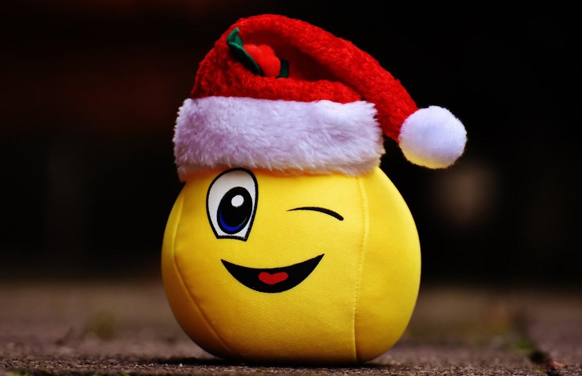 Kerstmuts Met Licht : Gratis afbeeldingen sneeuw kerstmis lach kerstmuts
