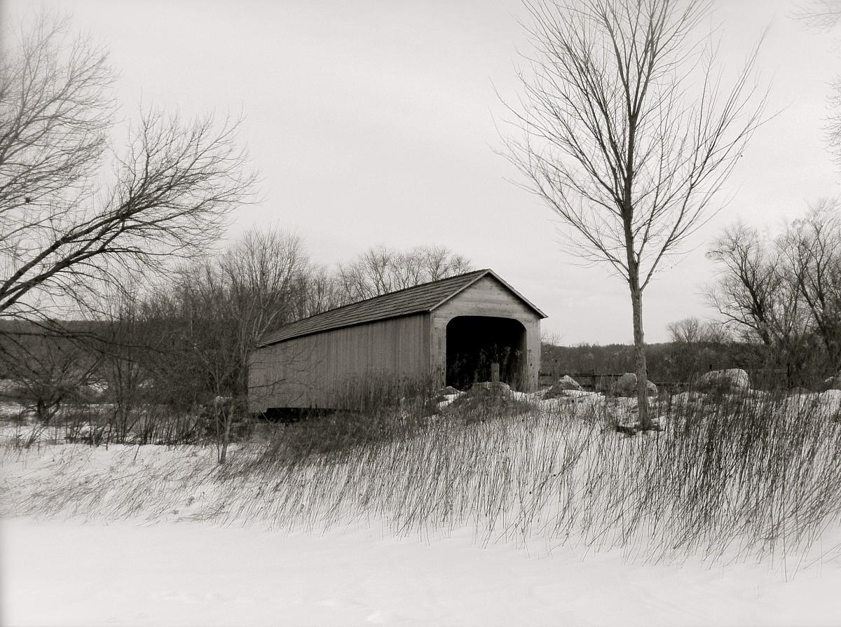 kostenlose foto baum schnee winter schwarz und wei sonne wei haus zuhause wetter. Black Bedroom Furniture Sets. Home Design Ideas