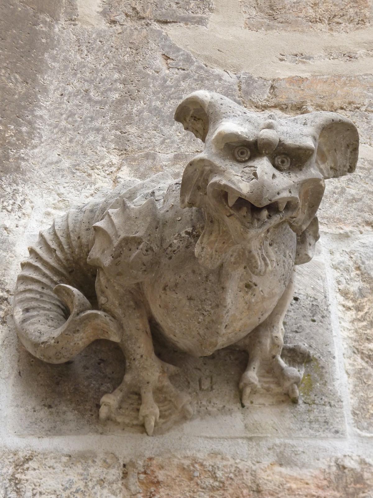 dragon statue feng shui
