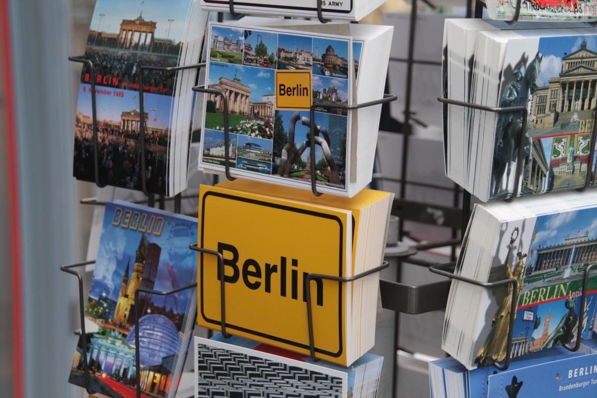 Культура: день отдыха игрушка Изобразительное искусство Открытка Берлин Комиксы Проездной