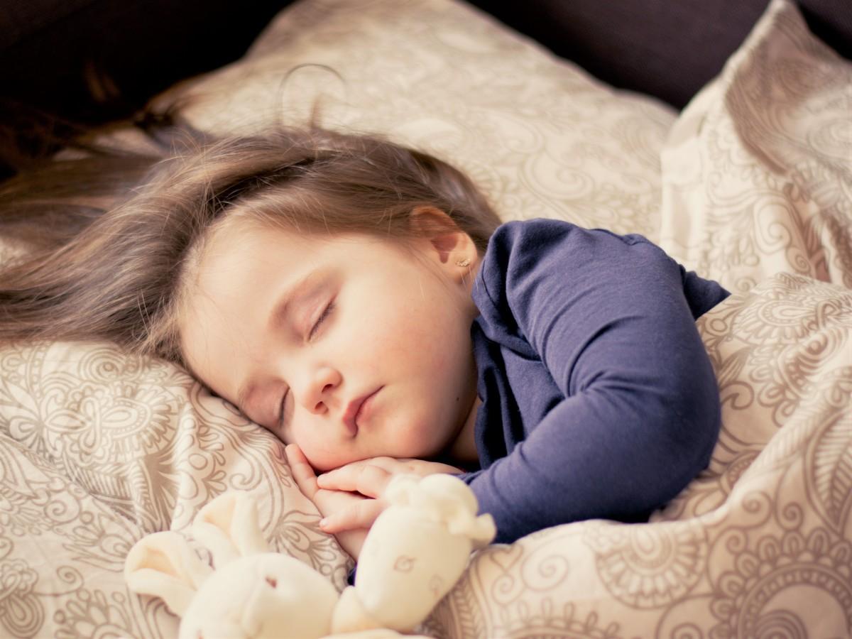 人 女の子 女性 甘い キッド ポートレート 子 赤ちゃん 睡眠 幼児 幼児 愛らしい 娘 肖像写真 就寝時間