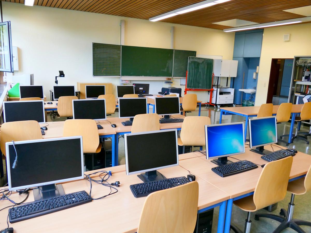 Images gratuites bureau chambre salle de classe cole for Bureau images gratuites