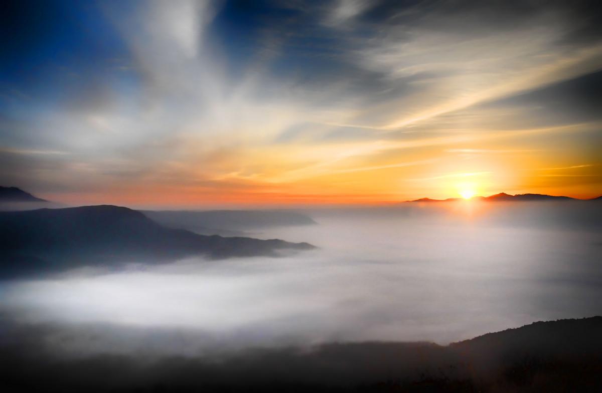 Открытки, картинки с восходом солнца в горах на море