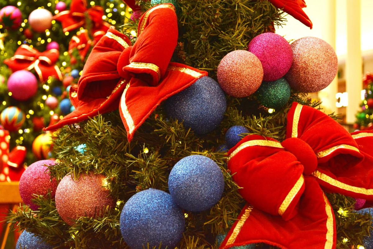 Fotos gratis decoraci n fiesta rbol de navidad ornamento decoraci n navide a pelota - Adornos para fotos gratis ...