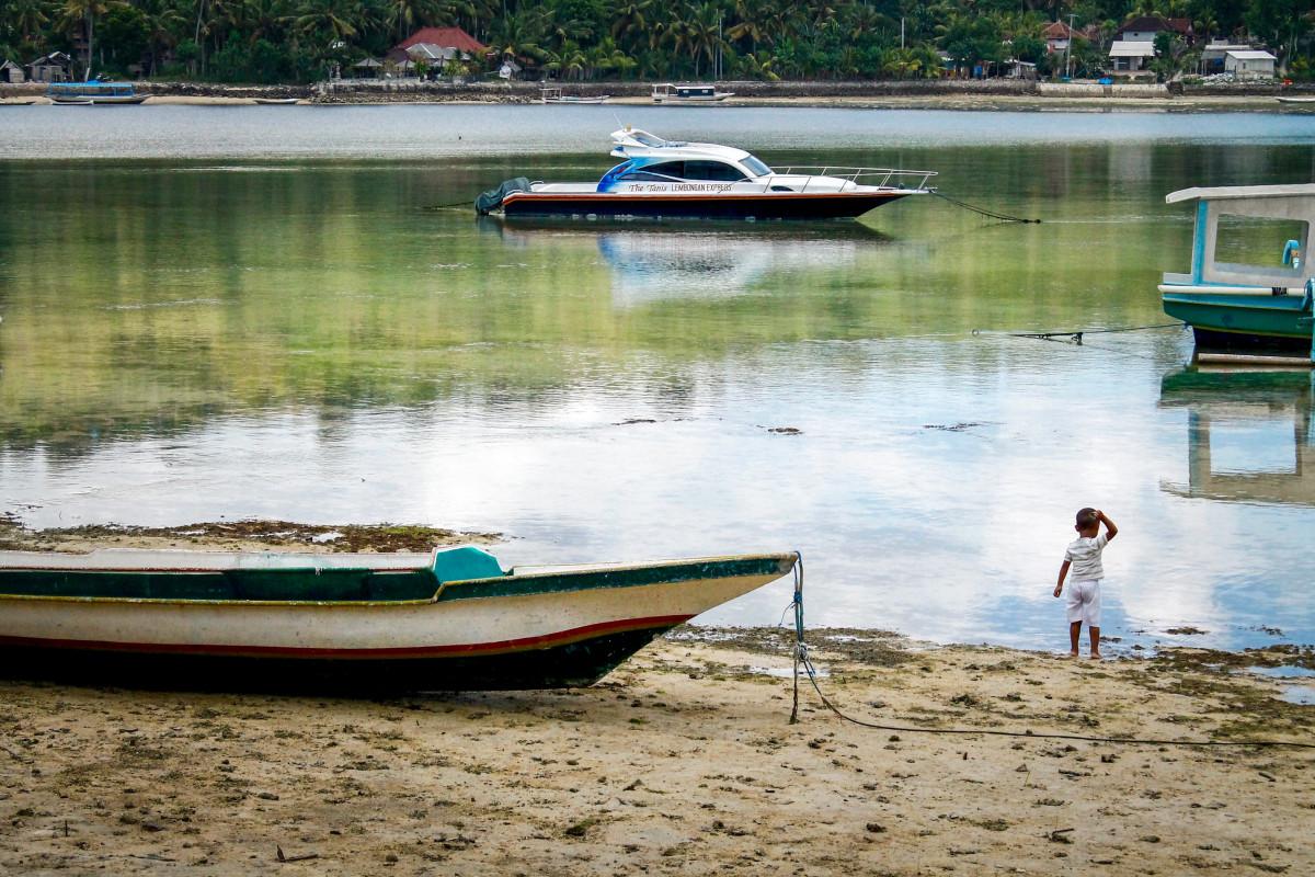 моторные лодки на реке фото