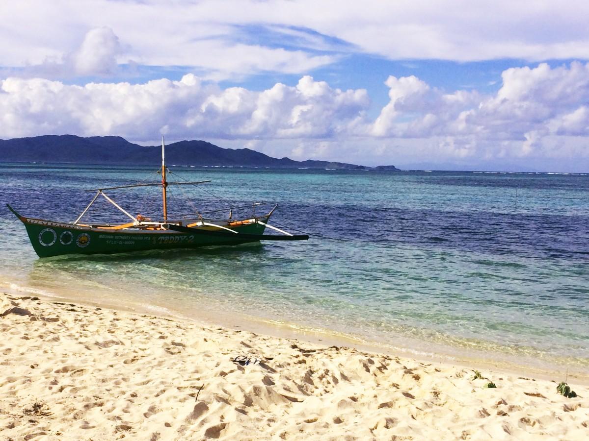 Картинки море пляж лодка