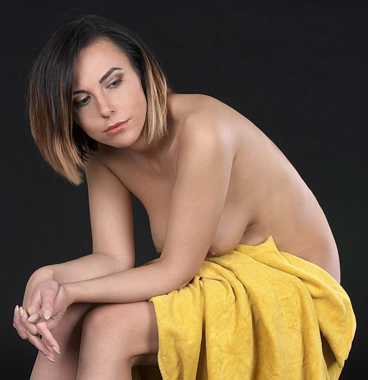 Free Images  Hand, Girl, Photography, Leg, Brunette -2089