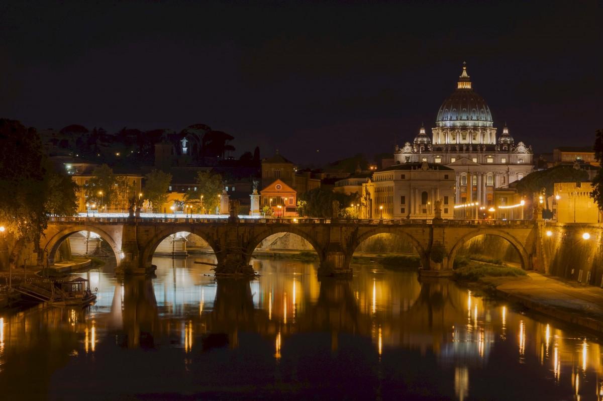Fotos gratis arquitectura noche ma ana palacio for Europeo arredamenti mosciano sant angelo