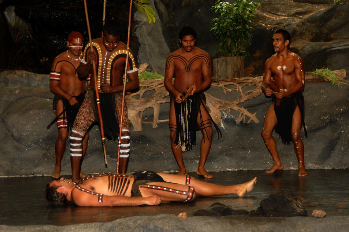 Как индейцы трахаются в племенах, вызов сантехника на дом порно видео