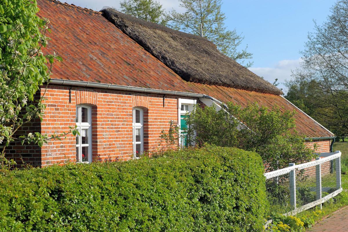 Images gratuites architecture ferme pelouse maison for Extension maison zone rurale