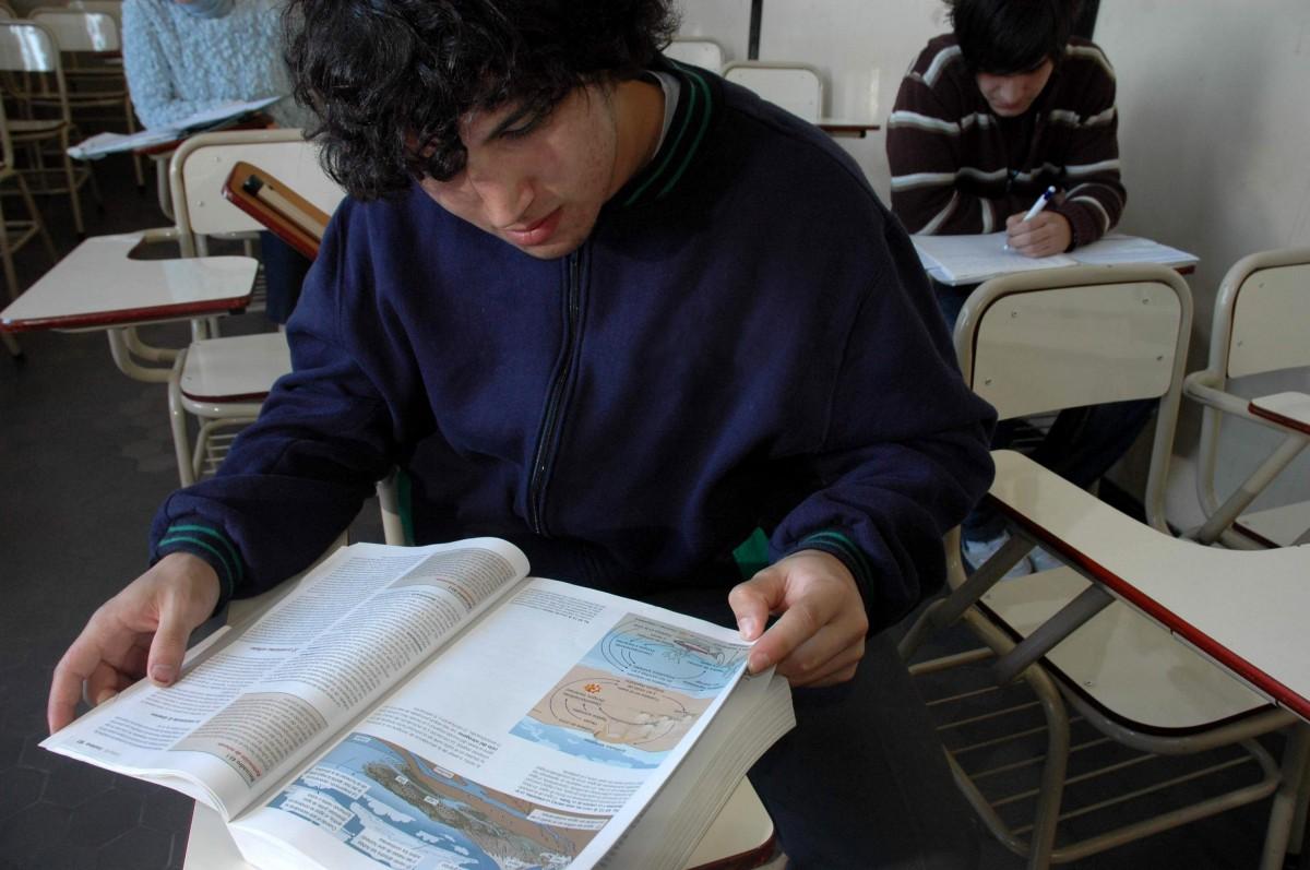 Fotos gratis pizarra escritorio oficina estudiante for Estudiar diseno de interiores online gratis