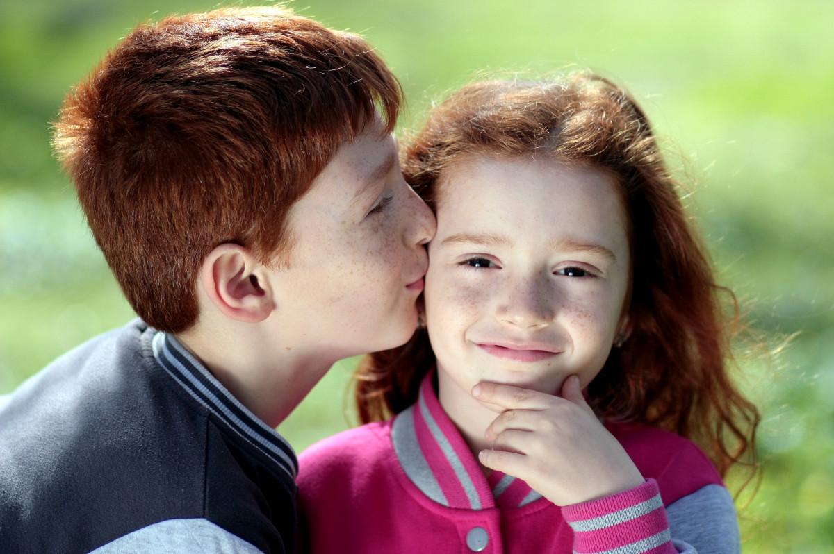 Рыжие целуются фото, Рыжеволосые очаровательные девчонки страстно 11 фотография