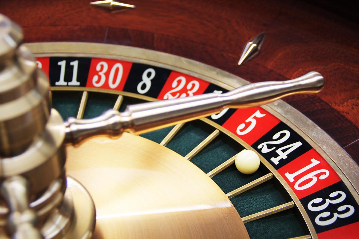 лев азартные игры