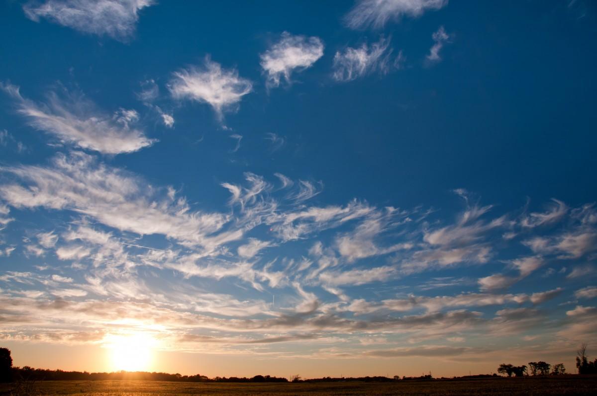 Солнечное небо картинка