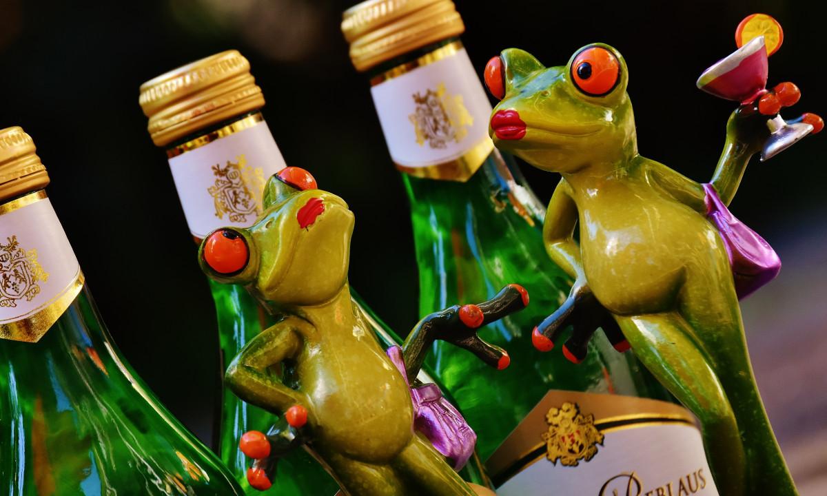 Картинки бутылок смешные