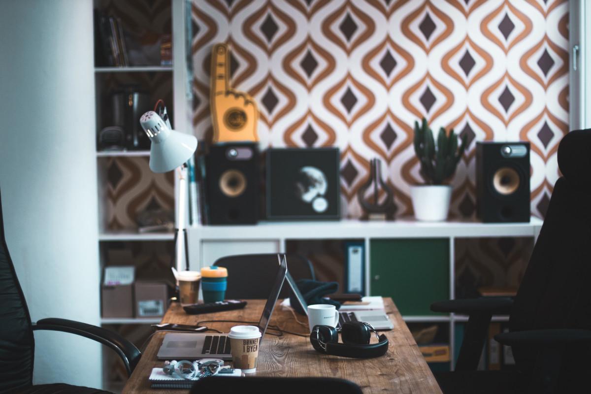 Arbeitsplatz büro schreibtisch  Kostenlose foto : Laptop, Schreibtisch, Tabelle, Arbeitsplatz ...