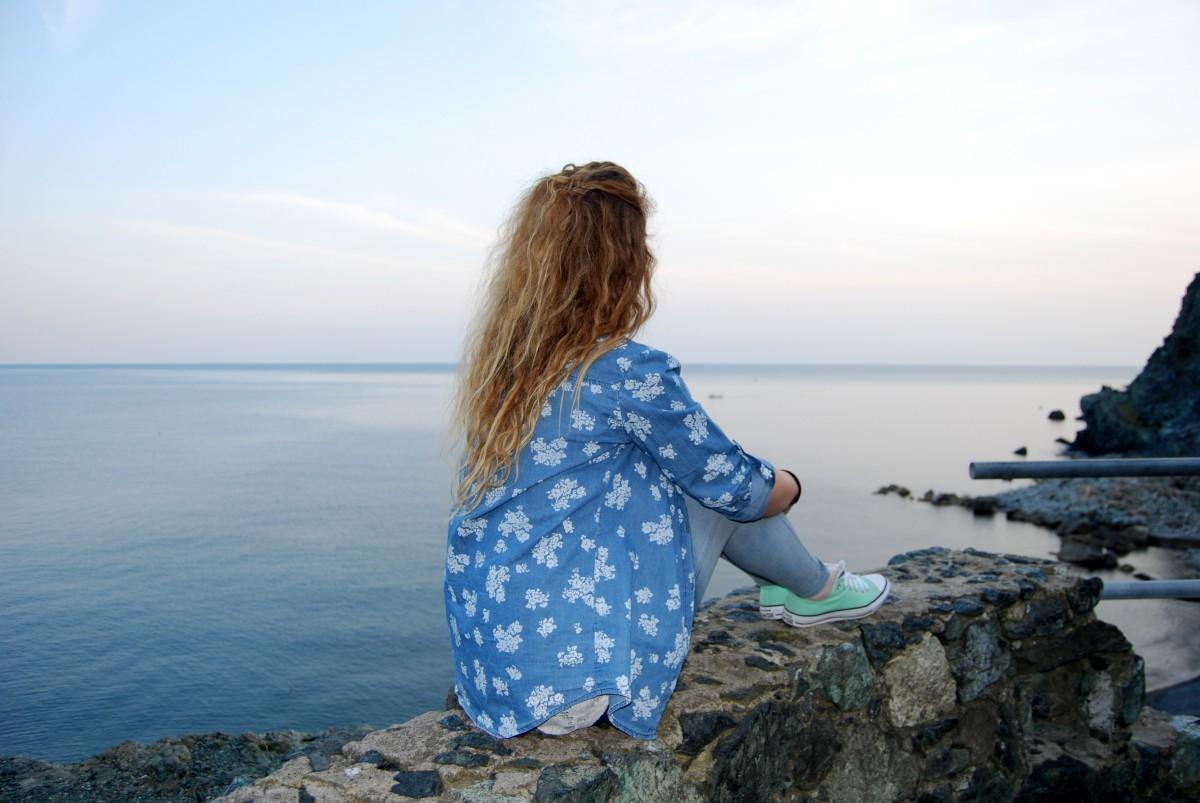 Картинки женщин на море спиной, смешные картинки