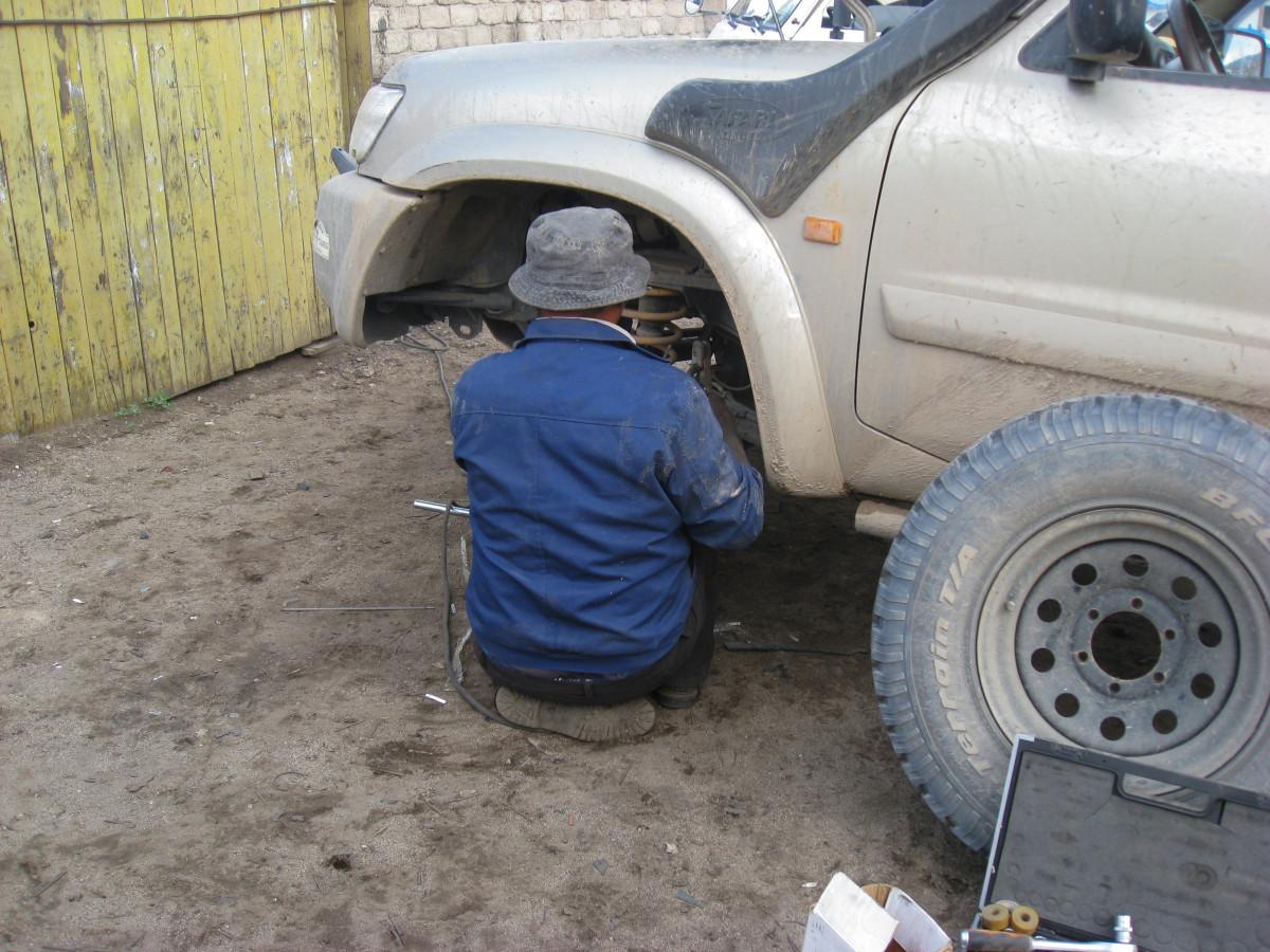 Images gratuites voiture roue jeep pneu grille pare for Garage pneu vaulx en velin