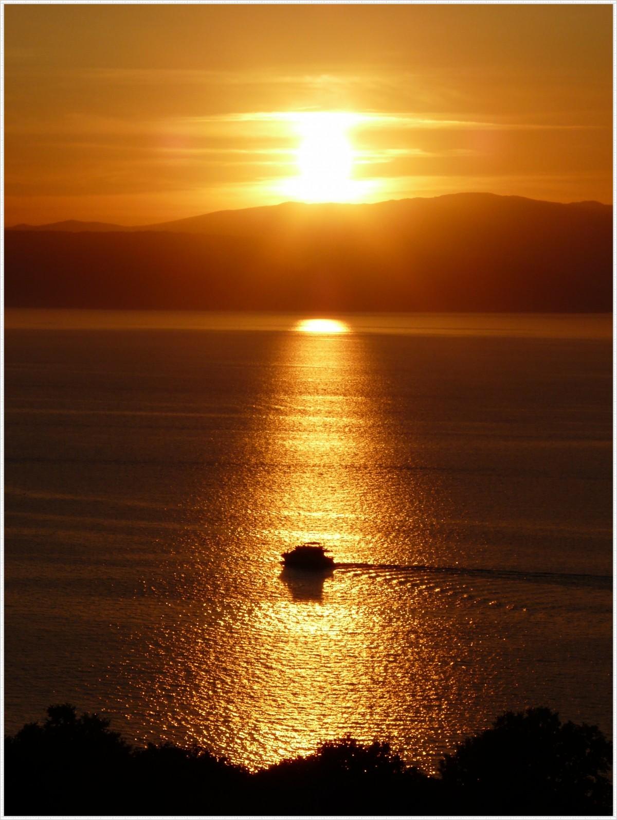 открытки восход солнца лоджия достаточно вместительная