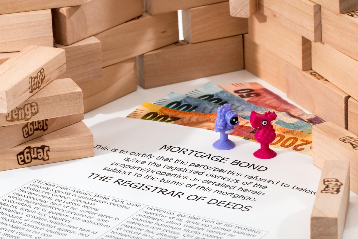 jouer maison bâtiment maison propriété jouet marque conception vendu enregistrer Investir des économies déménagement immobilier investissement investir hypothèque agent immobilier prêt emprunter Hypothèque Contrat d'hypothèque Documents financiers Vente de maisons Propriétaire propriétaire de maison